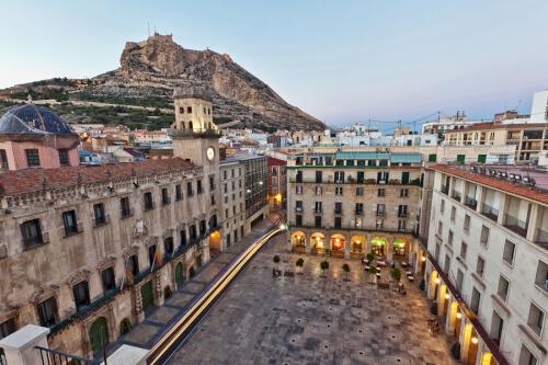 Alicante Bild; Copyright bei Fotolia