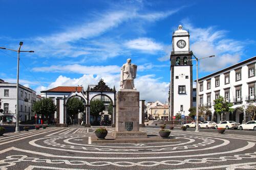 Ponta Delgada Bild; Copyright bei Fotolia
