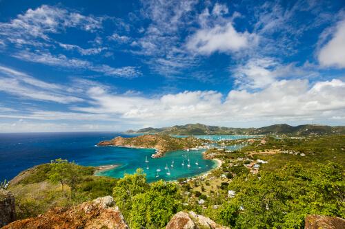 St. John's (Antigua) Bild; Copyright bei Fotolia