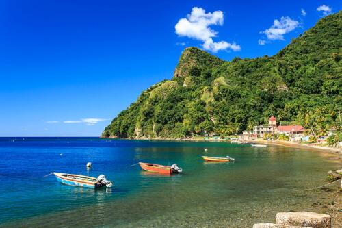 Roseau / Dominica Bild; Copyright bei Fotolia